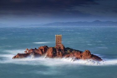 HMS2881434 France, Var, Saint Raphael, heavy swell and high winds on the tower of the ile d'Or of the Cap du Dramont
