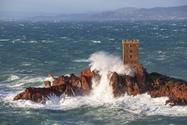 HMS2881438 France, Var, Saint Raphael, large wave and high winds on the tower of the ile d'Or of the Cap du Dramont