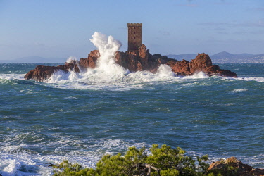 HMS2881440 France, Var, Saint Raphael, large wave and high winds on the tower of the ile d'Or of the Cap du Dramont