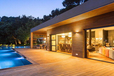 HMS2902749 France, Bouches du Rhone, Cassis, contemporary house, subtle blend of wood and stone