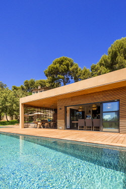 HMS2902800 France, Bouches du Rhone, Cassis, contemporary house, subtle blend of wood and stone