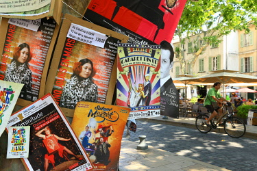 HMS2501902 France, Vaucluse, Avignon, Place Crillon, Avignon Festival