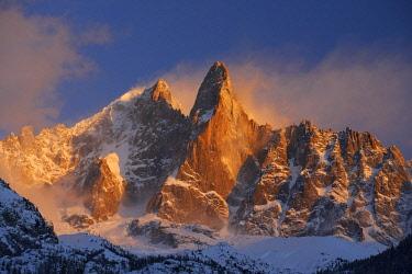 HMS2234295 France, Haute Savoie, Chamonix, aiguille Verte (4122m), aiguille du Dru (3754m), Mont Blanc range