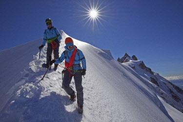 HMS2234371 France, Haute Savoie, Chamonix, alpinists on the classic aiguille du Midi (3848m) aiguille du Plan (3673m) route