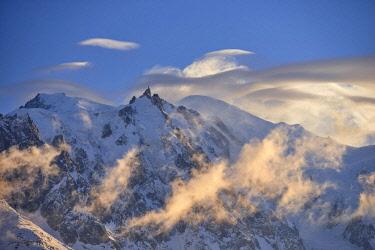 HMS2506900 France, Haute-Savoie, Chamonix, Mont-Blanc (4810m) and the aiguille du Midi (3848m) at sunset, Mont-Blanc range