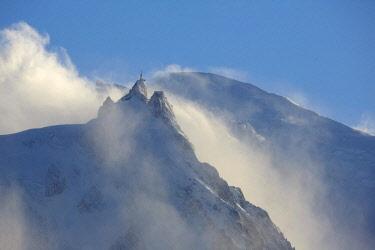 HMS2506958 France, Haute-Savoie, Mont-Blanc (4810m) and the aiguille du Midi (3848m), Mont-Blanc range
