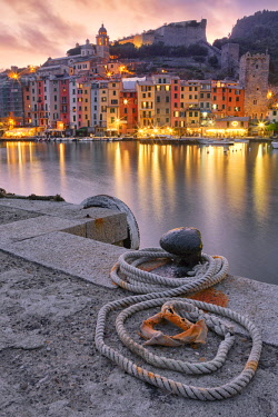 CLKGA68405 Rope on pier at sunset, Porto Venere, La Spezia, Liguria, Italy
