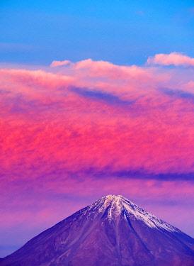 CHI10879AW Volcano Licancabur at sunset, San Pedro de Atacama, Antofagasta Region, Chile
