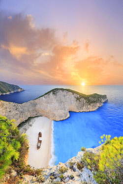 GR13076 Greece, Ionian Islands, Zakynthos, Navagio (shipwreck) beach