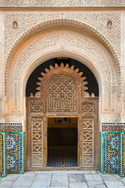 MOR2370AW Morocco, Marrakech-Safi (Marrakesh-Tensift-El Haouz) region, Marrakesh. Ben Youssef Madrasa, 16th century Islamic college.