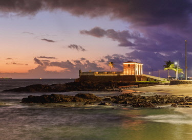 BRA3569AW Santa Maria Fort at sunset, Salvador, State of Bahia, Brazil