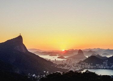 BRA3604AW Cityscape from Vista Chinesa at sunrise, Rio de Janeiro, Brazil