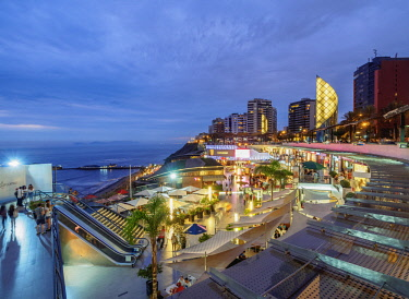 PER33917AW Larcomar Shopping Center at twilight, Miraflores District, Lima, Peru