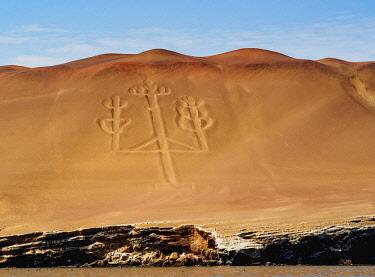 PER34005AW Candelabro de Paracas Geoglyph, Paracas National Reserve, Ica Region, Peru