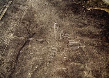 PER34035AW The Humming Bird Geoglyph, aerial view, Nazca, Ica Region, Peru