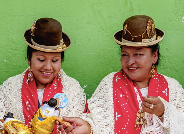 PER34126AW Ladies in traditional clothing, Fiesta de la Virgen de la Candelaria, Puno, Peru