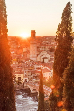 ITA11248AW europe, Italy, Veneto. Verona, view over the town at sunset from castle san Pietro