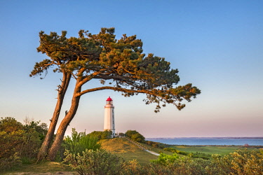 GER10538AW Lighthouse at sunset, Dornbusch, Hiddensee island, Mecklenburg-Western Pomerania, Germany