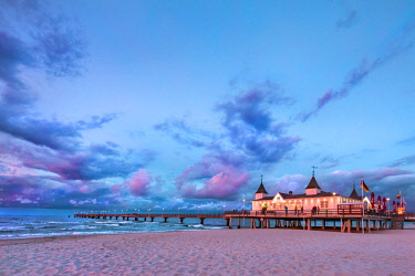 GER10564AW Pier at sunset, Ahlbeck, Usedom island, Mecklenburg-Western Pomerania, Germany