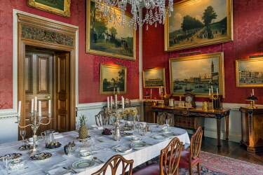 ENG15076AW Europe, England, North Yorkshire, Castle Howard, Crimson Dining Room