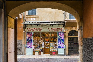 ITA113353AW Historical drugstore in the city center, Verona, Veneto, Italy