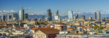 ITA113360AW City skyline with the Alps in the background, Milan, Lombardy, Italy