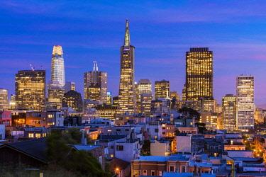 USA12960AW Downtown skyline at dusk, San Francisco, California, USA