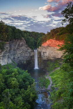 US61671 USA, New York, Finger Lakes Region, Ithaca-Ulysees, Taughannock Falls, summer