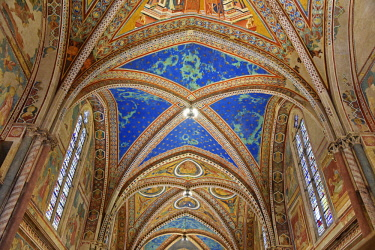IBLBAB04214786 Ceiling vaults decorated with frescoes in the upper church of San Francesco Basilica, Assisi, Province of Perugia, Umbria, Italy