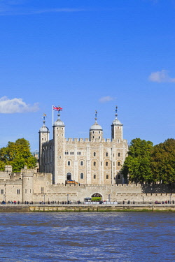 TPX61792 England, London, Tower of London and River Thames