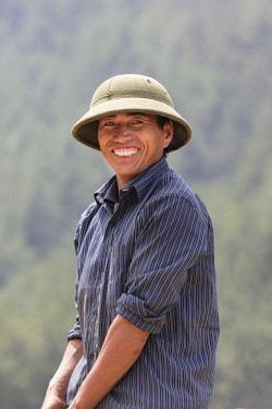 VIT1437AW Farmer wearing hat, Mu Cang Chai, Yen Bai Province, Vietnam, South-East Asia
