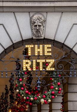 ENG15203AW Christmas Decorations, The Ritz Hotel, London, England, United Kingdom
