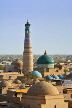 UZB0115AW The Islam Khodja minaret and medressa. Old town of Khiva (Itchan Kala), a Unesco World Heritage Site. Uzbekistan