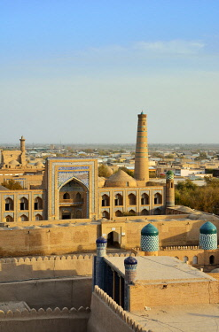 UZB0117AW The old town of Khiva (Itchan Kala), a Unesco World Heritage Site, seen from the Khuna Ark citadel. Uzbekistan