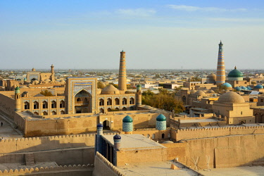 UZB0118AW The old town of Khiva (Itchan Kala), a Unesco World Heritage Site, seen from the Khuna Ark citadel. Uzbekistan