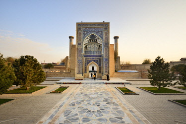 UZB0184AW Gur-e-Amir mausoleum of the Asian conqueror Timur (also known as Tamerlane, 1336-1405). It has a very important place in the history of Persian-Mongolian architecture. A Unesco World Heritage Site, Sa...