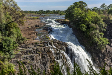 ZIM2693AW Africa, Zimbabwe, Matabeleland north. The Victoria Falls with low water