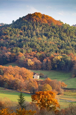 FRA10200AW A barn in the Dordogne Valley in autumn, Correze, Nouvelle-Aquitaine, France