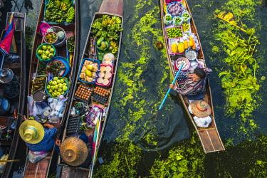 THA1149AW Floating markets, Bangkok, Thailand.