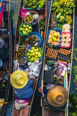THA1150AW Floating markets, Bangkok, Thailand.