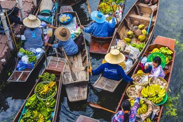 THA1154AW Floating markets, Bangkok, Thailand.
