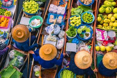 THA1174AW Floating markets, Bangkok, Thailand.