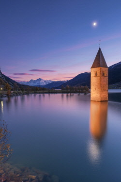 CLKAB72924 The submerged bell tower of Curon Venosta, province of Bolzano, Alto Adige district, Italy