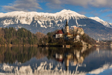 SLO1263AWRF Church of the Assumption of Mary, Lake Bled, Upper Carniola, Slovenia