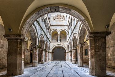 CRO1602AW Atrium of Sponza Palace or Divona, Dubrovnik, Croatia