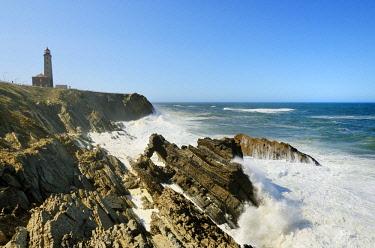 POR9715AW The rocky coast of Sao Pedro de Moel. Marinha Grande, Leiria. Portugal