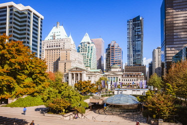 CAN3300AWRF Robson square in autumn, Vancouver, British Columbia, Canada