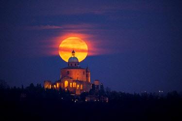 ITA11447AW Supermoon rising over Monasero della Madonna di San Luca, Bologna, Italy