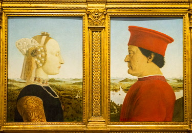 ITA11613 Florence, Tuscany, Italy. Portraits of the Duke and Duchess of Urbino by Piero della Francesca, in the Uffizi Gallery.
