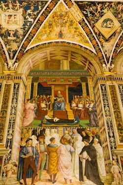 ITA11524 Siena, Tuscany, Italy. The interior of the Piccolomini Library within the Siena Duomo.